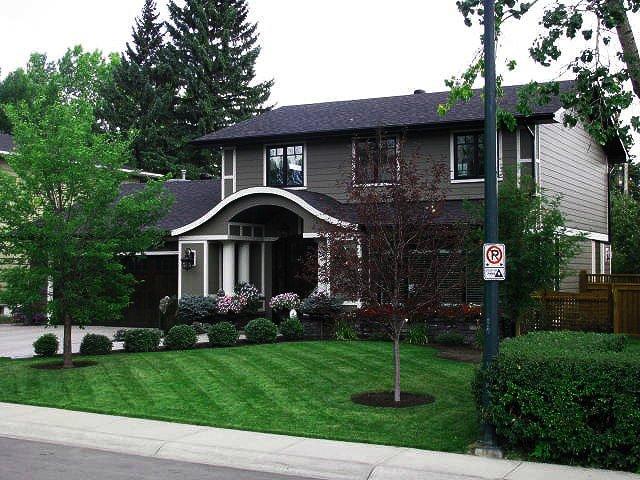 100% Eco-friendly Residential Lawn Care Service | Signature Landscape Maintenance Calgary